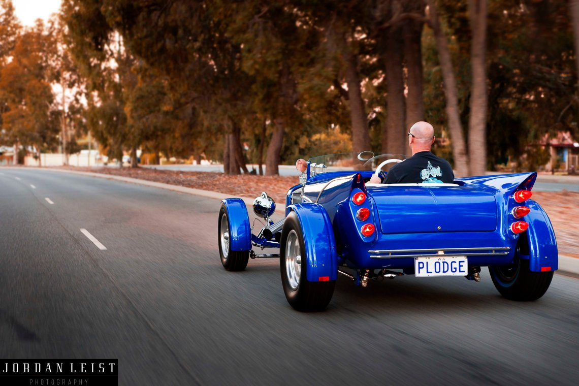 BLUE DRIVING LONG REAR